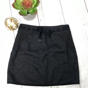 Elie Tahari Black Bow Front Wool Blend Skirt Sz 6